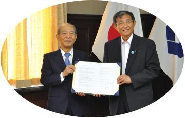 近畿大学との協定調印式